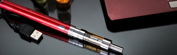 charging e-cigarette