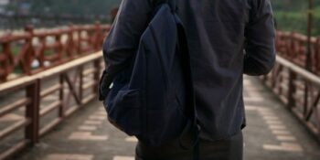 Image of vaper with bag