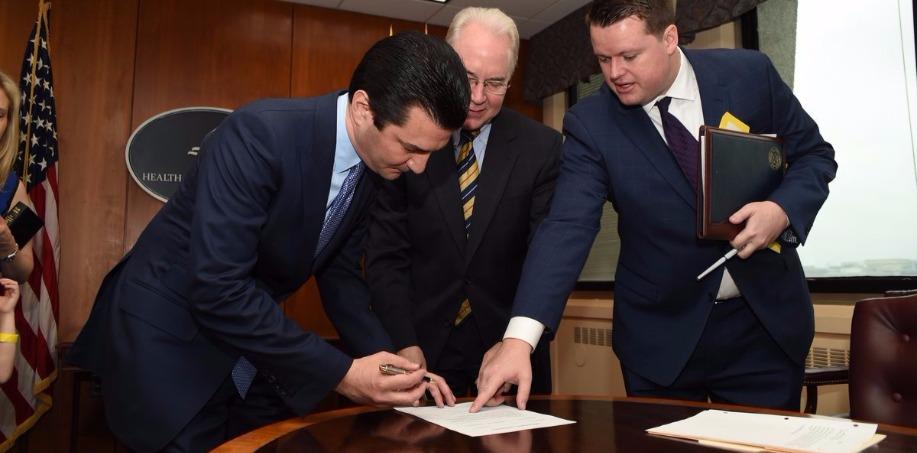 Scott Gottlieb Signing Contract